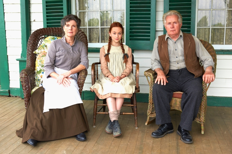 "Sara Botsford as Marilla Cuthbert, Ella Ballentine as Anne Shirley and Martin Sheen as Matthew Cuthbert, ""Anne of Green Gables"""