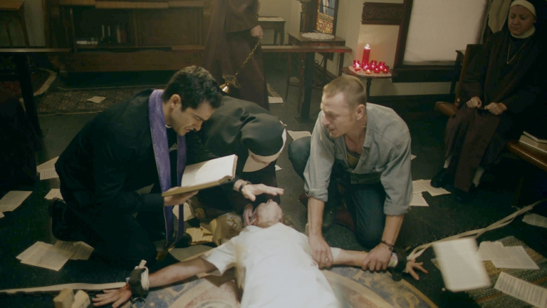 """THE EXORCIST: L-R: Alfonso Herrera, guest star Deanna Dunagan, Hannah Kasulka and Ben Daniels in the """"Chapter Seven: Father of Lies"""" THE EXORCIST"""