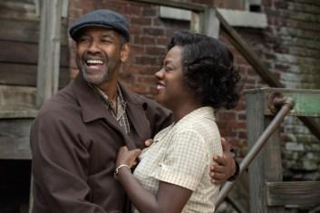 Denzel Washington and Viola Davis in Fences movie