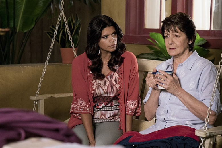 "Andrea Navedo and Ivonne Coll, ""Jane the Virgin"""