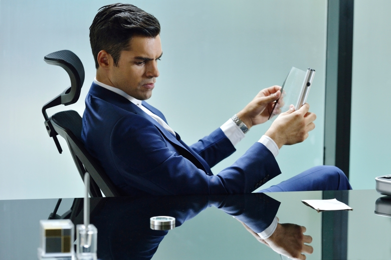 "Sean Teale, ""Incorporated"""