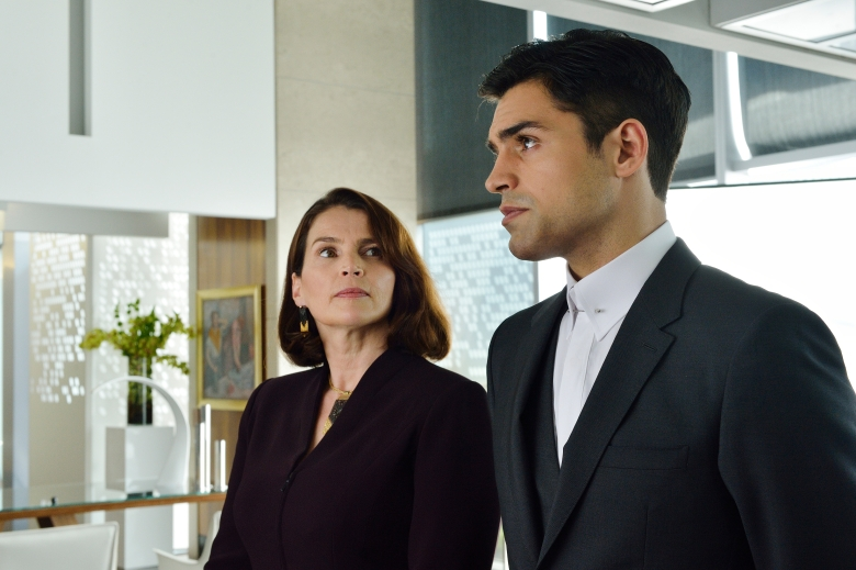 "INCORPORATED -- ""Vertical Mobility"" Episode 101 -- Pictured: (l-r) Julia Ormond as Elizabeth Krauss, Sean Teale as Ben Larson -- (Photo by: Ben Mark Holzberg/Syfy)"