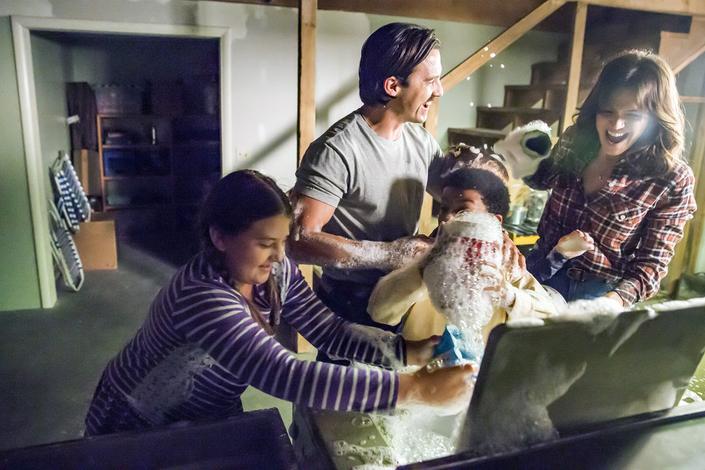 "THIS IS US ""The Best Washing Machine in the Whole World "" Episode 107 Milo Ventimiglia, Mandy Moore"