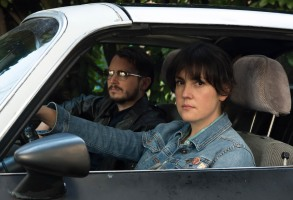 melanie lynskey and elijah wood in i don't feel at home in this world anymore
