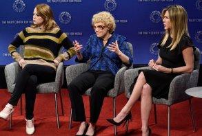 Emma Stone Jennifer Aniston Saturday Night Live