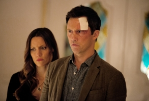 Shut Eye KaDee Strickland as Linda Haverford, Jeffrey Donovan as Charlie Haverford - Shut Eye Season 1, Episode 1