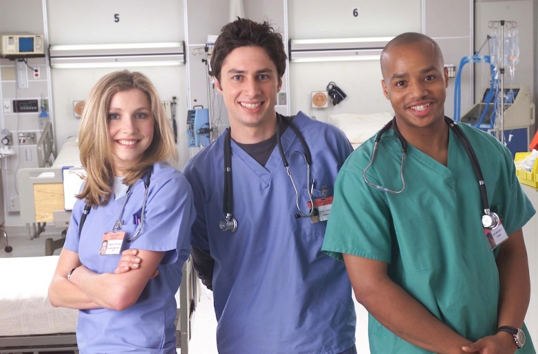 zach braff stokes hope for scrubs reunion after gilmore