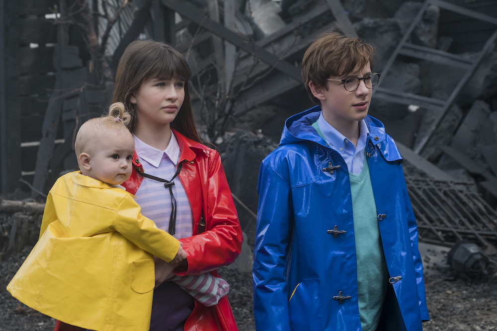 A Series Of Unfortunate Events Netflix Malina Weissman & Louis Hynes Lemony Snicket