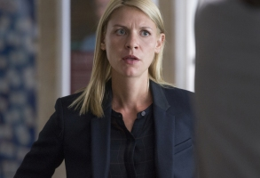 Claire Danes as Carrie Mathison in HOMELAND Season 6, Episode 1