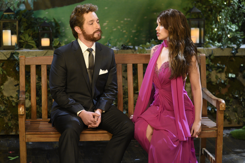 SNL Review: Felicity Jones Hosts Uneven ...