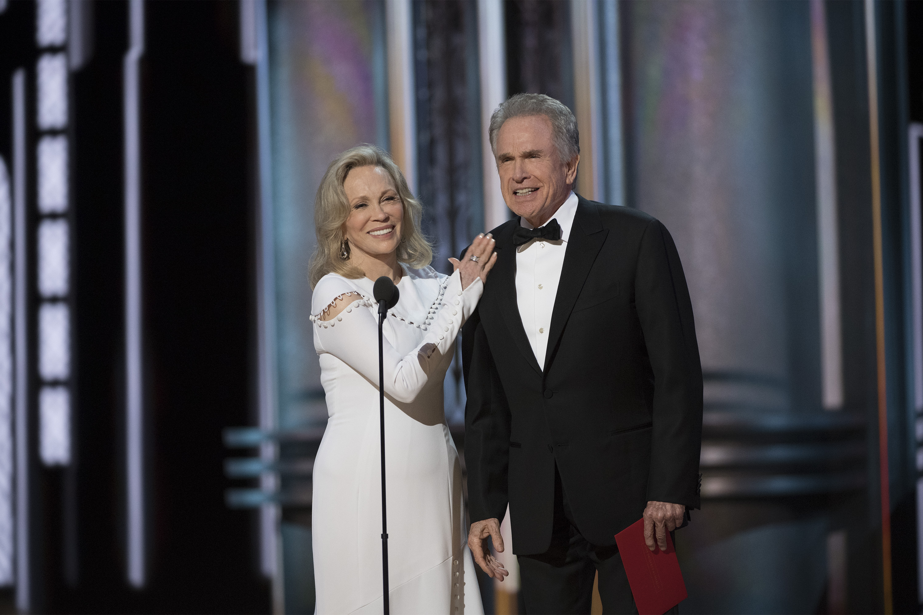#Oscars: Beatty, Dunaway to present Best Picture Award despite 2017 fiasco