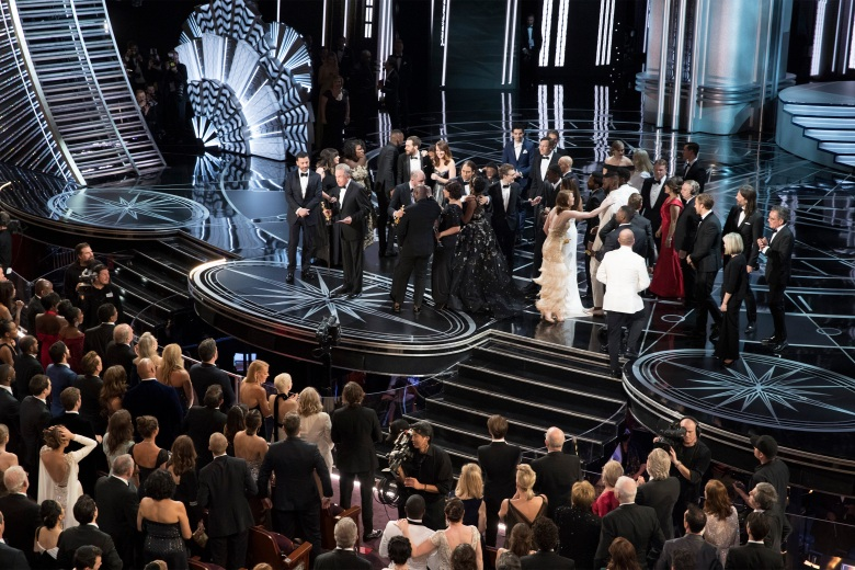 THE OSCARS(r) - The 89th Oscars(r) broadcasts live on Oscar(r) SUNDAY, FEBRUARY 26, 2017, on the ABC Television Network. (ABC/Patrick Wymore)MOONLIGHT CAST AND CREW, LA LA LAND CAST AND CREW