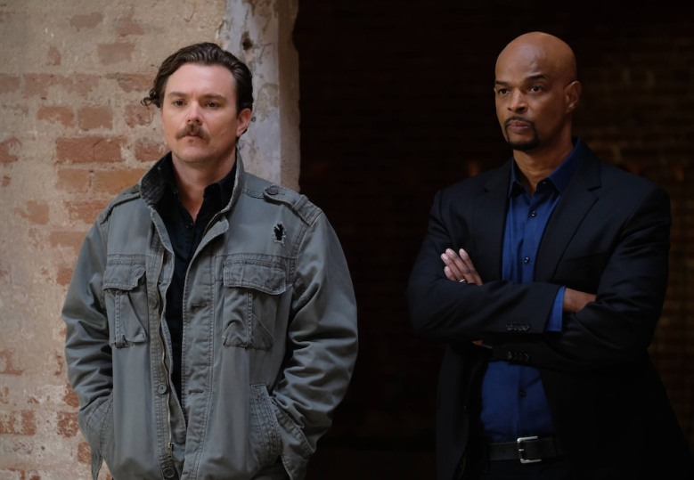 "LETHAL WEAPON: Pictured L-R: Clayne Crawford and Damon Wayans in the ""Seal is Broken"" episode of LETHAL WEAPON airing Wednesday, Jan. 25 (8:00-9:01 PM ET/PT) on FOX. ©2016 Fox Broadcasting"