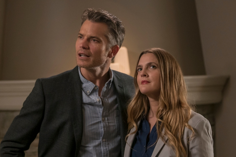 Santa Clarita Diet Review: Netflix Zombie Plot is Skin Deep