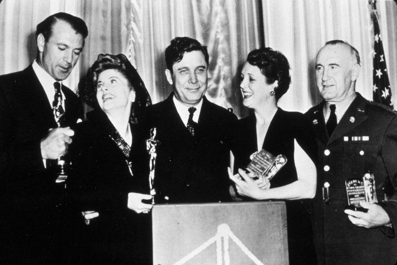 Gary Cooper, Joan Fontaine, Wendell Willkie, Mary Astor and Donald Crisp, 1942 Oscars