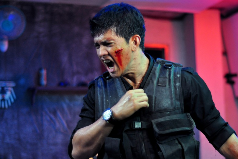 No Merchandising. Editorial Use Only. No Book Cover Usage. Mandatory Credit: Photo by Pt. Merantau Films/REX/Shutterstock (5882862t) Iko Uwais The Raid - Redemption - 2011 Director: Gareth Evans Pt. Merantau Films INDONESIAN / U.S.A. Scene Still The Raid - Redemption