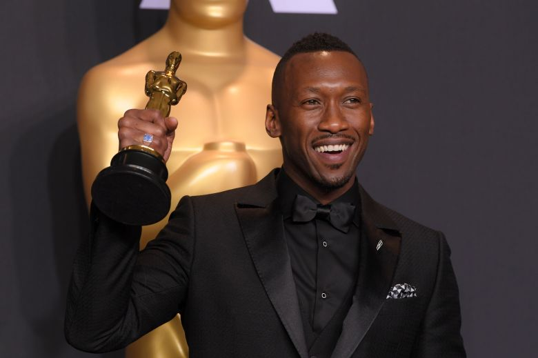 "Mahershala Ali celebrates his Actor in a Supporting Role win for ""Moonlight"""