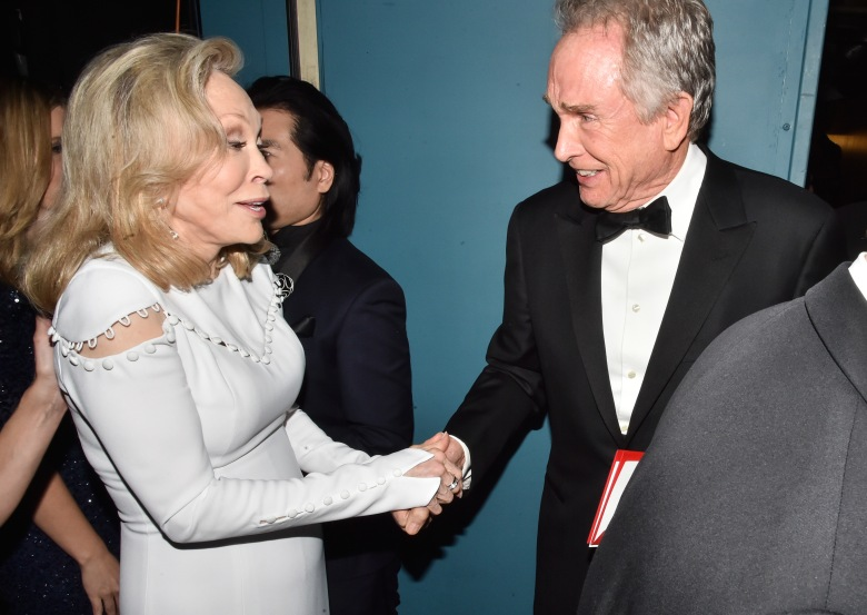 b070bd4e531 What Warren Beatty Said to Faye Dunaway After the 2017 Oscar ...