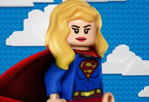 "LEGO ""Supergirl"""