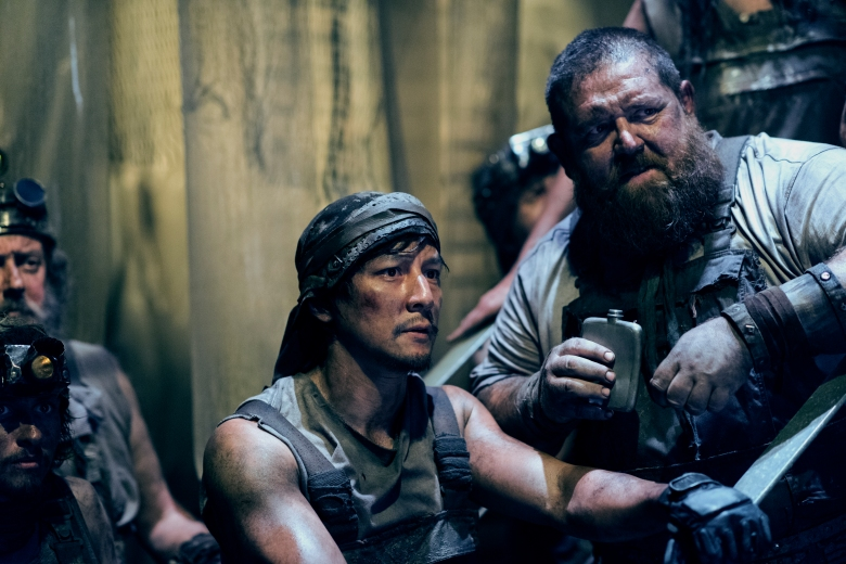 Daniel Wu as Sunny, Nick Frost as Bajie - Into the Badlands _ Season 2, Episode 2 - Photo Credit: Antony Platt/AMC