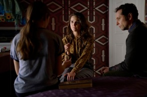 "THE AMERICANS ""Amber Waves"" -- Season 5, Episode 1 (Airs Tuesday, March 7, 10:00 pm/ep) -- Pictured: (l-r) Holly Taylor as Paige Jennings, Keri Russell as Elizabeth Jennings, Matthew Rhys as Philip Jennings. CR: Patrick Harbron/FX"