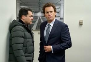 FARGO Year 3 Michael Stuhlbarg as Sy Feltz, Ewan McGregor as Emmit Stussy. CR: Chris Large/FX