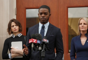 SHOTS FIRED: Pictured L-R: Conor Leslie, Stephan James and Helen Hunt in SHOTS FIRED premiering midseason on FOX. ©2017 Fox Broadcasting Co. CR: FOX
