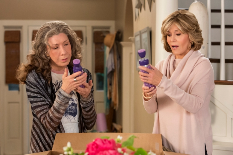 Grace And Frankie Season 3 Lily
