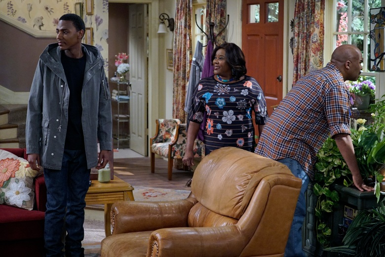 "THE CARMICHAEL SHOW -- ""New Neighbors"" Episode 207 -- Pictured: (l-r) Jerrod Carmichael as Jerrod Carmichael, Loretta Devine as Cynthia Carmichael, David Alan Grier as Joe Carmichael -- (Photo by: Chris Haston/NBC)"