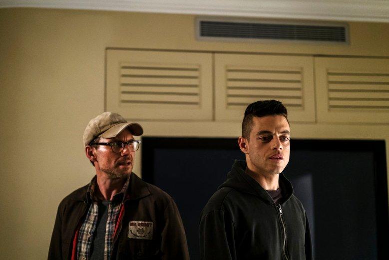 "MR. ROBOT -- ""eps2.8_h1dden-pr0cess.axx"" Episode 210 -- Pictured: (l-r) Christian Slater as Mr. Robot, Rami Malek as Elliot Alderson -- (Photo by: Michael Parmelee/USA Network)"