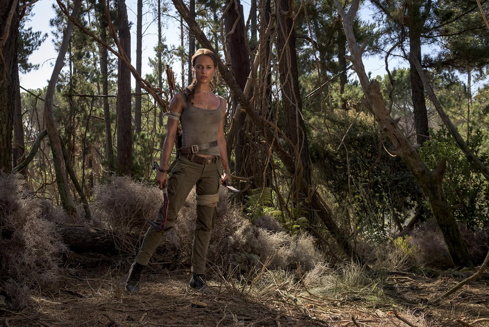 Tomb Raider Hollywood Figures Out How To Dress Female Action