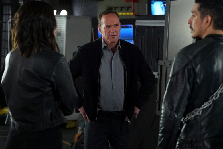 "MARVEL'S AGENTS OF S.H.I.E.L.D. - ""World's End"" - With the surprising emergence of Ghost Rider, Coulson and the team attempt to stop Aida from ending the world on the exciting season finale of ""Marvel's Agents of S.H.I.E.L.D.,"" TUESDAY, MAY 16 (10:00-11:00 p.m. EDT), on The ABC Television Network. (ABC/Eric McCandless)CLARK GREGG"