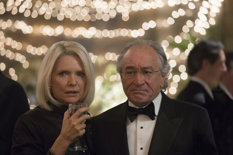 The Wizard of Lies - Michelle Pfeiffer, Robert De Niro
