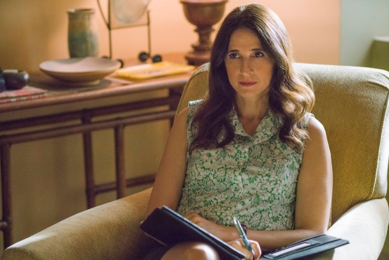 Casual Season 3 Episode 3 Michaela Watkins The Table