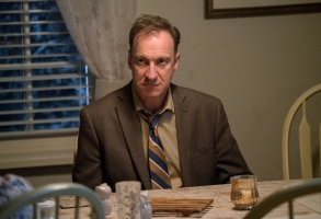 """FARGO -- """"The Narrow Escape Problem"""" – Year 3, Episode 4 (Airs May 10, 10:00 pm e/p) Pictured: David Thewlis as V.M. Varga. CR: Chris Large/FX"""