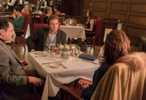 """FARGO -- """"The Law of Inevitability"""" – Year 3, Episode 7 (Airs May 31, 10:00 pm e/p) Pictured (l-r): Michael Stuhlbarg as Sy Feltz, Ewan McGregor as Emmit Stussy, Mary McDonnell as Widow Goldfarb. CR: Chris Large/FX"""