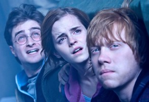 "(L-r) DANIEL RADCLIFFE as Harry Potter, EMMA WATSON as Hermione Granger and RUPERT GRINT as Ron Weasley in Warner Bros. Pictures' fantasy adventure ""HARRY POTTER AND THE DEATHLY HALLOWS – PART 2,"" a Warner Bros. Pictures release."