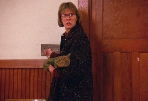 """Catherine Coulson as the Log Lady, """"Twin Peaks"""" pilot"""