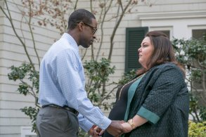 """THIS IS US -- """"What Now?"""" Episode 117 -- Pictured: (l-r) Sterling K. Brown as Randall, Chrissy Metz as Kate -- (Photo by: Ron Batzdorff/NBC)"""