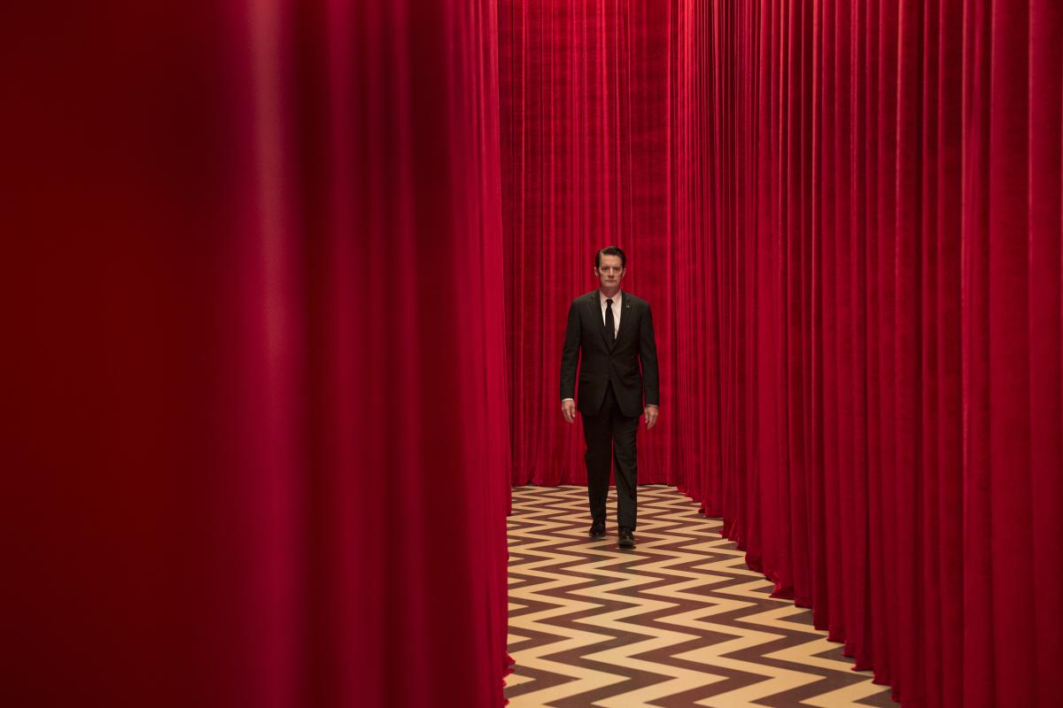 Twin Peaks Season 3 Premiere Review David Lynch Remains A