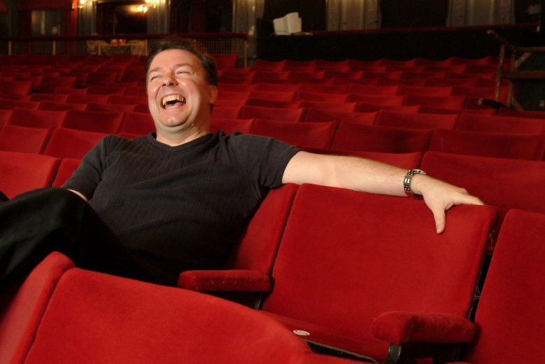 RICKY GERVAISRICKY GERVAIS AT THE PALACE THEATRE, LONDON, BRITAIN - 22 MAR 2004