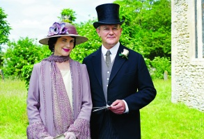 "Elizabeth McGovern and Hugh Bonneville, ""Downton Abbey"""