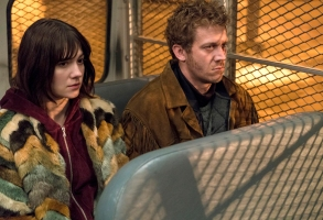 """FARGO -- """"The Law of Inevitability"""" – Year 3, Episode 7 (Airs May 31, 10:00 pm e/p) Pictured (l-r): Mary Elizabeth Winstead as Nikki Swango, Russell Harvard as Mr. Wrench. CR: Chris Large/FX"""