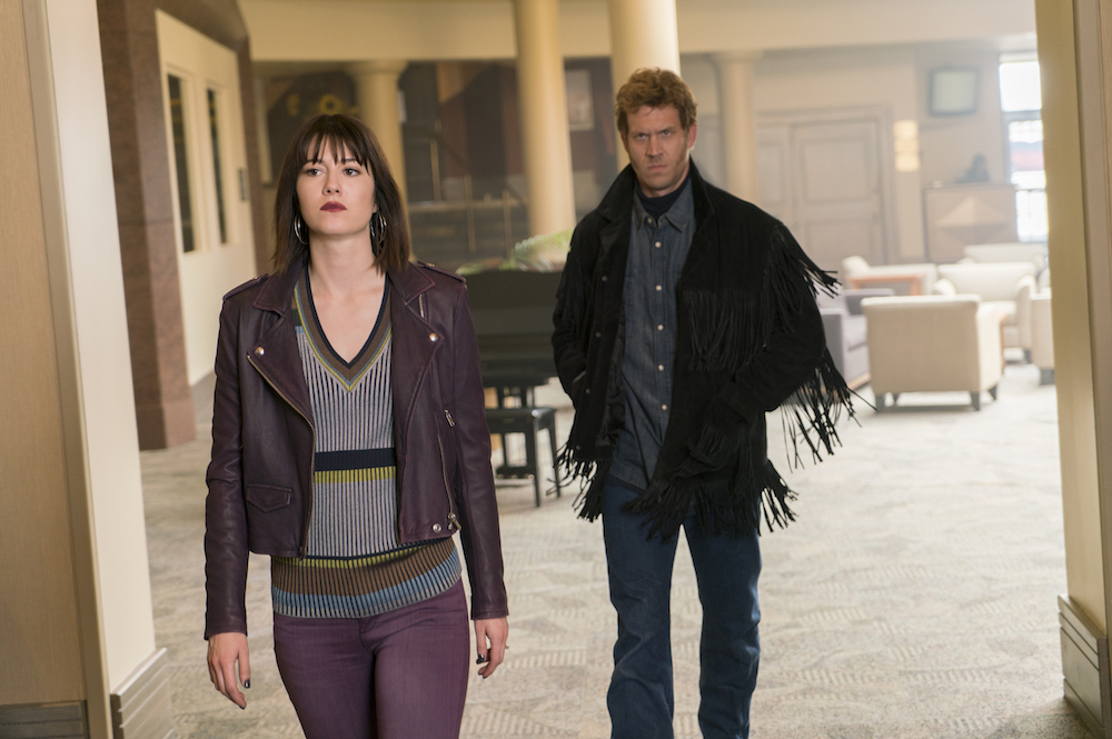 """FARGO """"Aporia"""" Year 3, Episode 9 (Airs June 14, 10:00 pm e/p) Pictured (l-r): Mary Elizabeth Winstead as Nikki Swango, Russell Harvard as Mr. Wrench"""