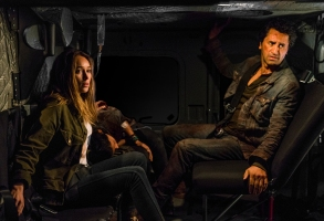 Cliff Curtis as Travis Manawa, Alycia Debnam-Carey as Alicia Clark, Danay Garcia as Luciana - Fear the Walking Dead _ Season 3, Episode 2 - Photo Credit: Michael Desmond/AMC
