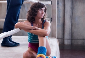 GLOW Alison Brie Season 1 Episode 1