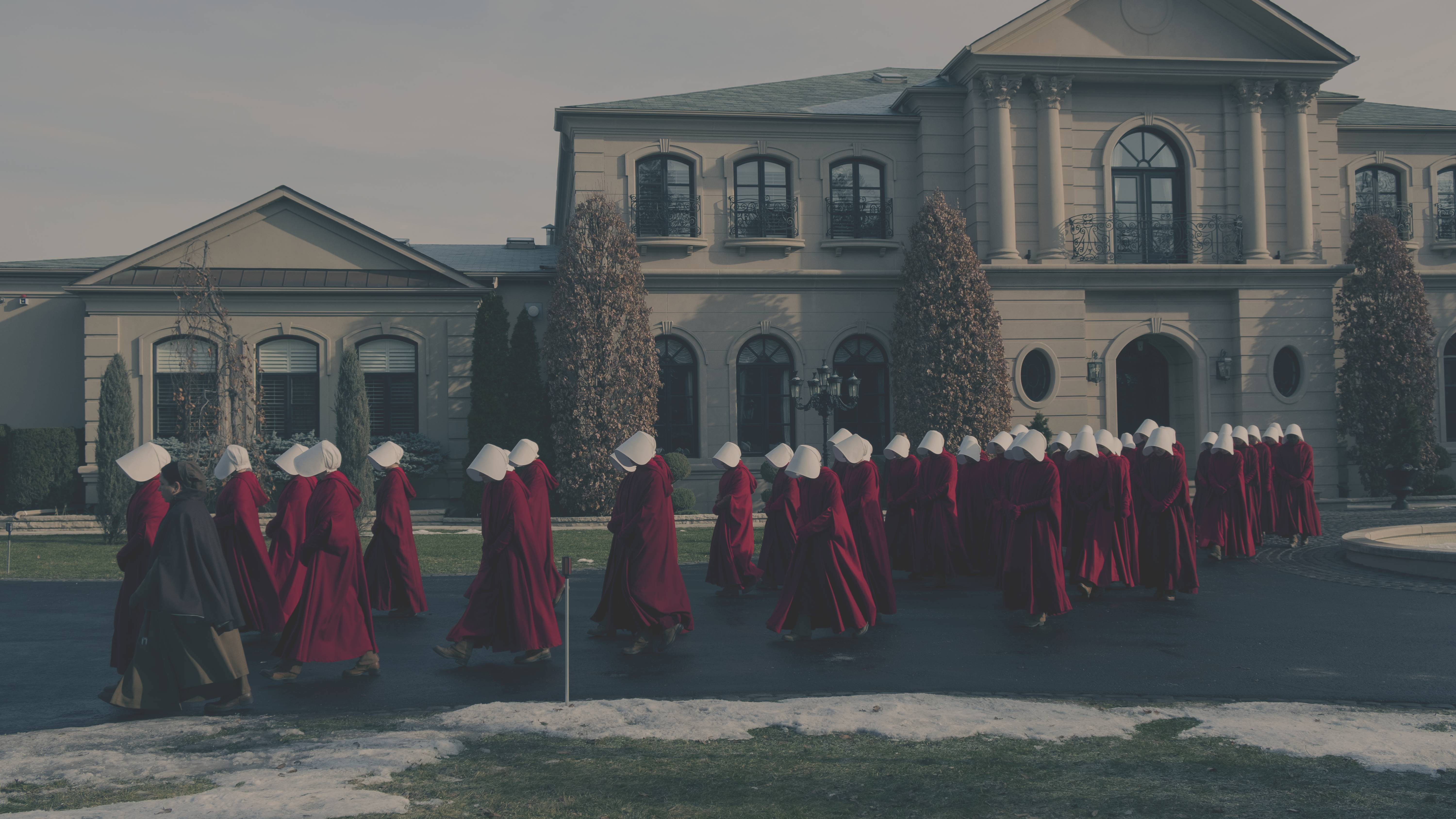 'Handmaid's Tale' Wins Top Honor at 2017 TCA Awards