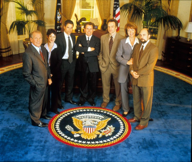 No Merchandising. Editorial Use Only. No Book Cover Usage.Mandatory Credit: Photo by Moviestore/REX/Shutterstock (1650702a)The West Wing , John Spencer, Moira Kelly, Rob Lowe, Martin Sheen, Bradley Whitford, Allison Janney, Richard SchiffFilm and Television