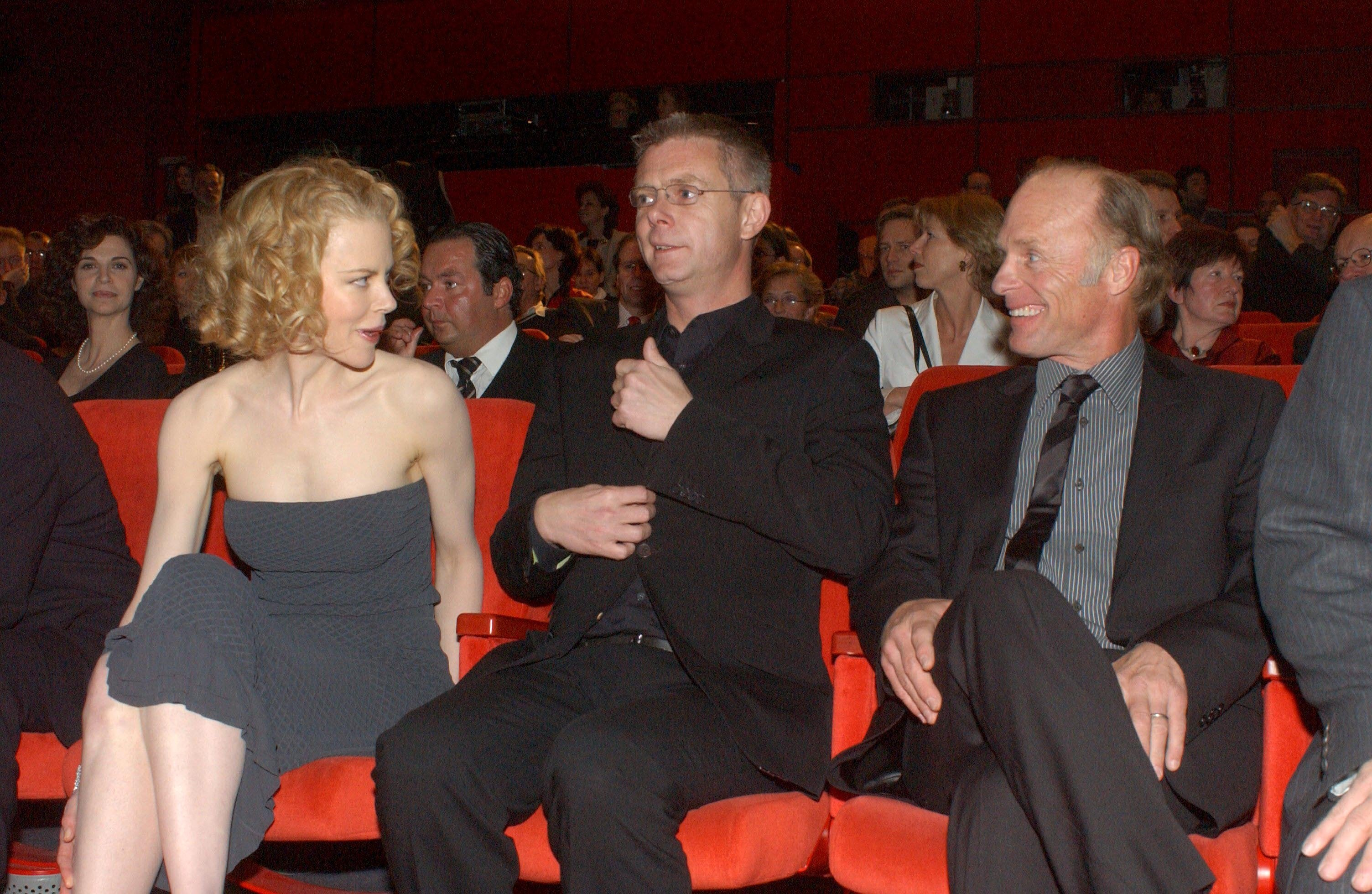 NICOLE KIDMAN WITH STEPHEN DALDRY AND ED HARRISNICOLE KIDMAN PROMOTING FILM 'THE HOURS' , BERLIN FILM FESTIVAL, GERMANY - 08 FEB 2003