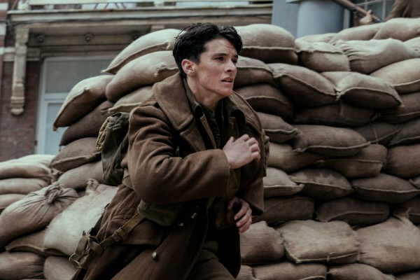 http://www.indiewire.com/wp-content/uploads/2017/07/dunkirk-fionn-whitehead-600x400.jpg?w=600